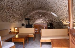 Arredamento rustico per casa taverna mansarda giardino for Arredamento taverna rustica